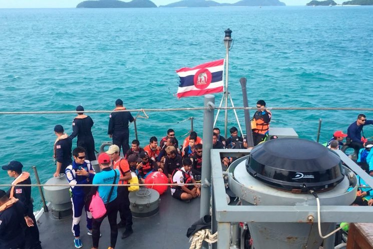 Dozens dead after tourist boat capsized near Thailand
