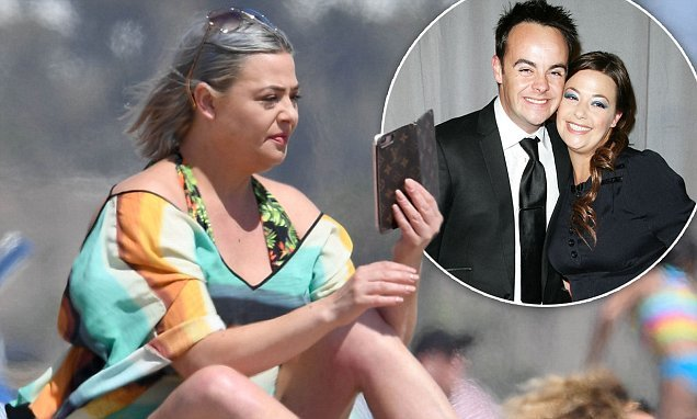 Ant McPartlin's estranged wife Lisa Armstrong wears plunging swimsuit
