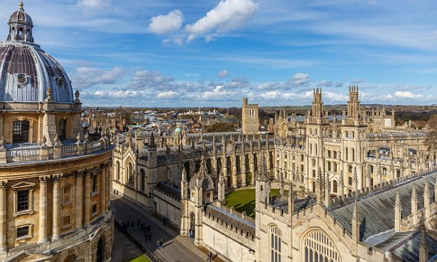 Oxford Uni apologises after struggling students named in email blunder