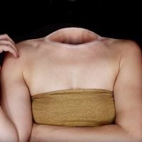 Make-up artist reveals how she makes HEAD disappear to 50m followers