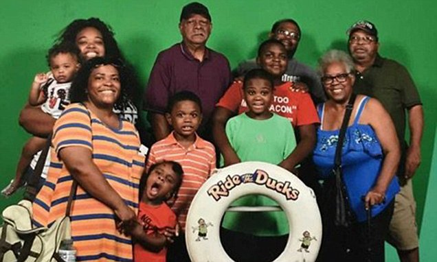 Tragic last picture of family that lost nine on the Missouri duck boat