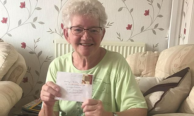 Grandmother receives Christmas card sent by her sister 19 YEARS AGO