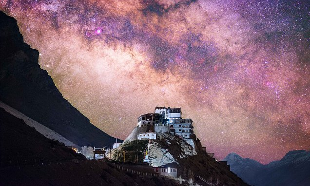 Remarkable timelapse video shows the Tibetan sky at night