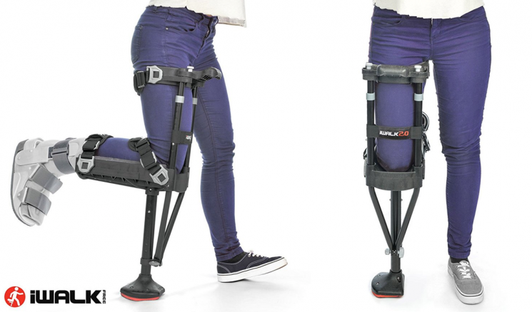 Someone Invented A Crutch You Can Use Hands-Free & It's A Game Changer For Leg Injuries