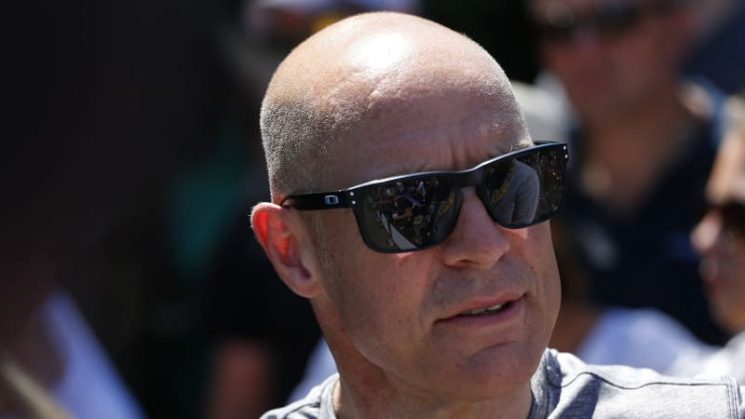Spitting, throwing things a 'French thing', says Team Sky boss