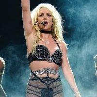 Britney Spears Suffers Wardrobe Malfunction, Exposing Nipple on Stage