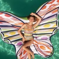 Buzzzz-o-Meter: Celebrities Love This Butterfly Float and More