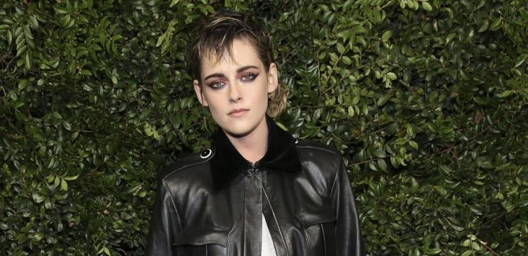 Kristen Stewart Set To Star In Elizabeth Banks' Remake Of 'Charlie's Angels'