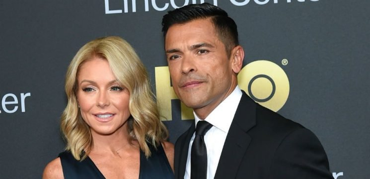 Kelly Ripa Shares Adorable Comic-Con Selfie With Husband Mark Consuelos And His Co-Star Marisol Nichols