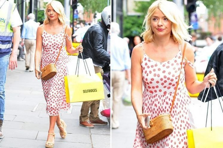 Holly Willoughby looks stunning as she enjoys a spot of retail therapy after work