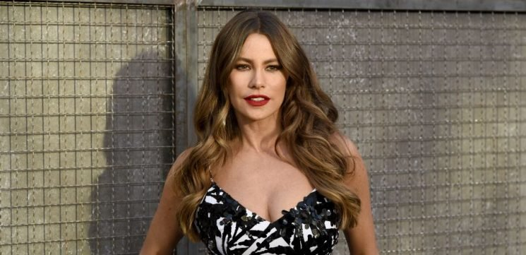 Sofia Vergara's 'Summer Fun,' Goes Horseback Riding In Sexy Crop Top And Tight Jeans