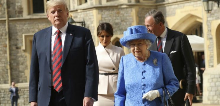 New Pictures With The Queen And Donald Trump Contain Something That Shouldn't Be There