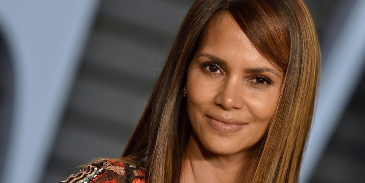 Halle Berry Says Bone Broth Is The Reason Why She Looks So Freaking Young