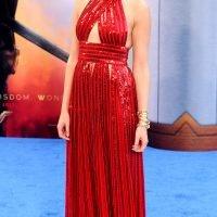 Gal Gadot Makes Surprise Visit to Va. Children's Hospital Dressed as Wonder Woman