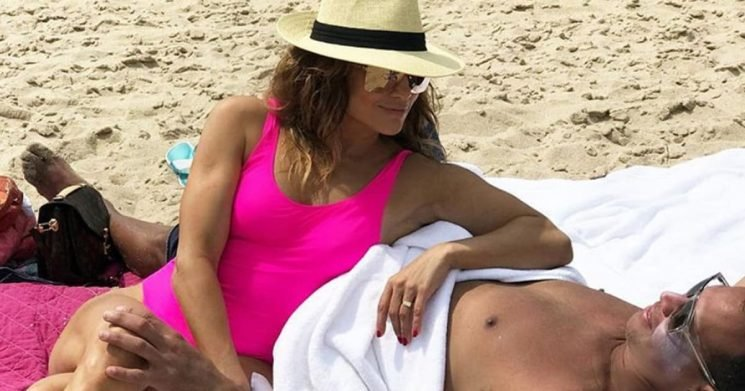 Jennifer Lopez Flashes Ring on THAT Finger in Swimsuit Snap with A-Rod