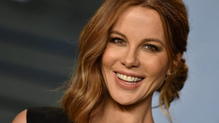 Kate Beckinsale Doing Goat Yoga With Her Ex Is the Gift We All Need Right Now
