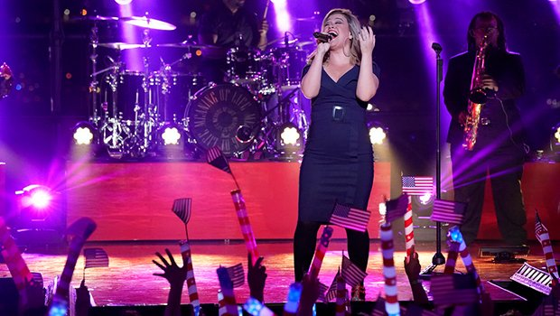 Kelly Clarkson Crushes Macy's 4th Of July Fireworks Spectacular With 'Stronger' & More