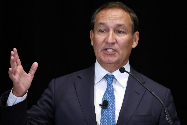 United Airlines CEO Fined $24,000 for Stealing Sand from Public Beaches for His $6.8 Million Florida Mansion
