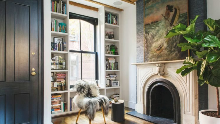 11 Chic, Original Ways to Decorate With Books