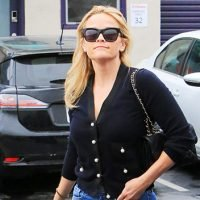 Did Reese Witherspoon Pee Her Pants? See The Pic That Caused A Social Media Firestorm