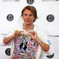 'Foodgod' Jonathan Cheban tours the Versace mansion
