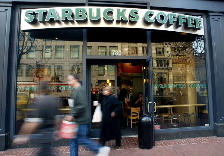 Starbucks to Eliminate Plastic Straws in All Stores Worldwide