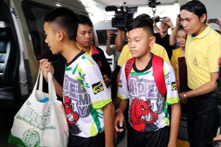 Thai soccer boys leave hospital ready to return home