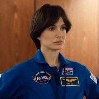 Natalie Portman Almost Unrecognizable as Astronaut in First 'Pale Blue Dot' Photo