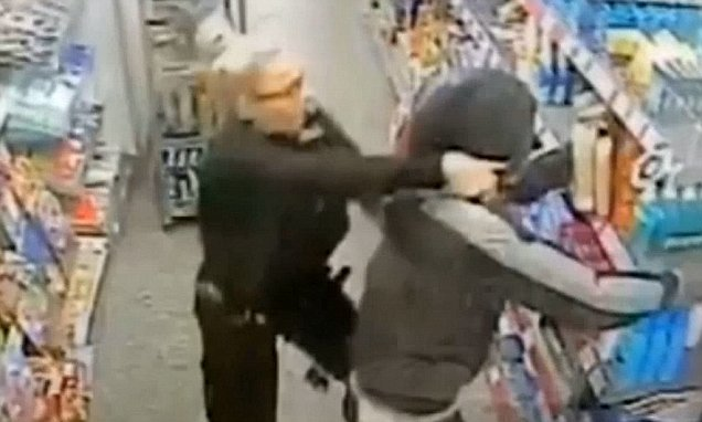 Police officer tackles thug to the ground as she thwarts machete raid