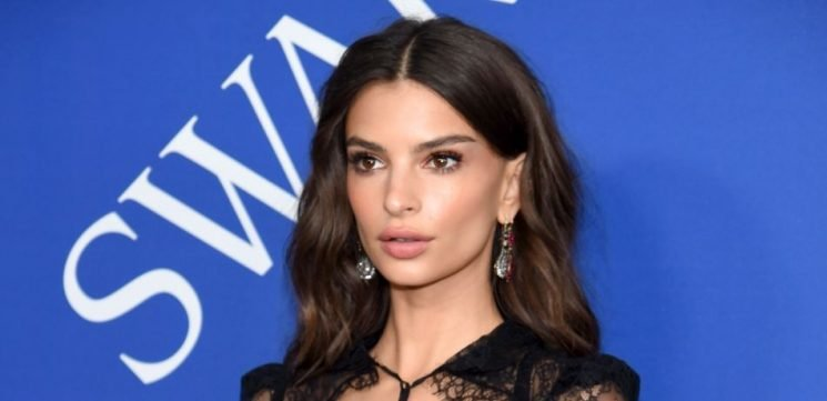 Emily Ratajkowski Shows Off Her Stunning Figure In Risque See Through Green Dress