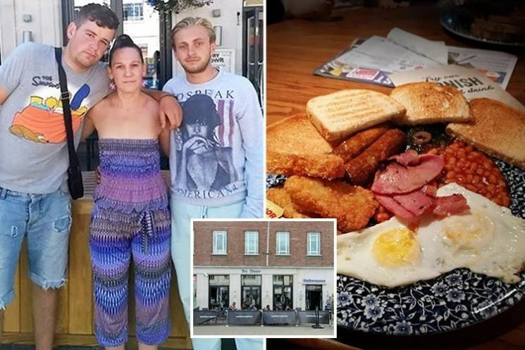Wetherspoons pub accused of a 'ban on the smelly' after refusing to serve two homeless men breakfast
