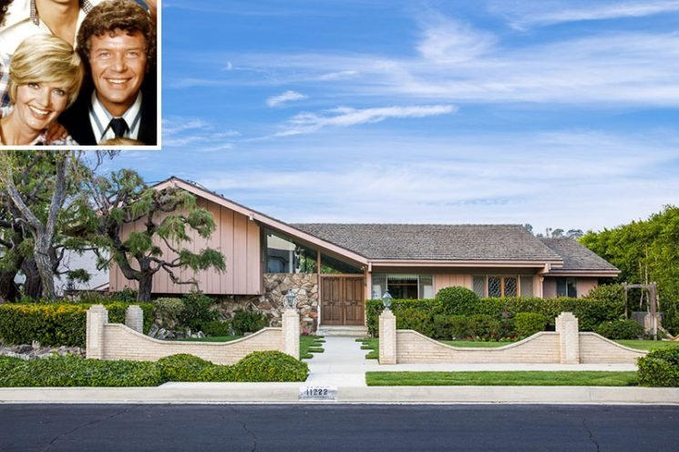 HGTV Outbids Lance Bass to Buy the Brady Bunch House — and Will 'Restore' it to '1970s Glory'