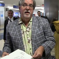 Matt Groening Hands Out Signed Drawings at LAX, Gets Shocked by Real-Life Homer