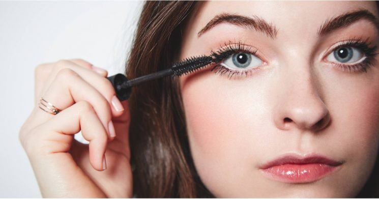 The Reason Your Mascara Is Smudging Is Not What You Think