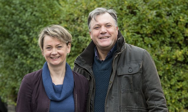 Ed Balls goes to war with Virgin Media on Twitter