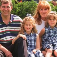 35 York Family Photos That Show How Close They've Stayed After Dealing With Divorce