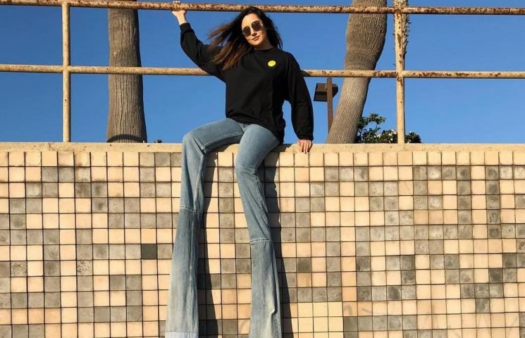 This YouTuber Wore 9 Foot Jeans & Yes, They're Absolutely Ridiculous