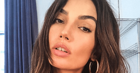 What Lily Aldridge Looks Like Wearing a KKW Beauty Eye Palette