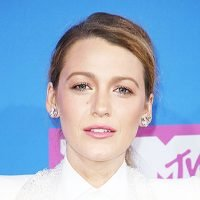 Blake Lively's Cool VMAs Nail Art — Copy The Polished Yet Easy Look in 3 Steps