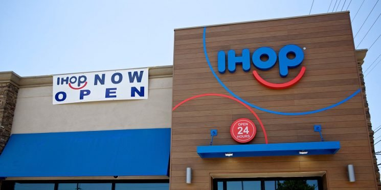 The 7 Healthiest Breakfasts You Can Order At IHOP