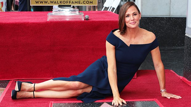 Have You Seen Jennifer Garner's Arms Lately? Her Trainer Spills Tips For A Sculpted Look