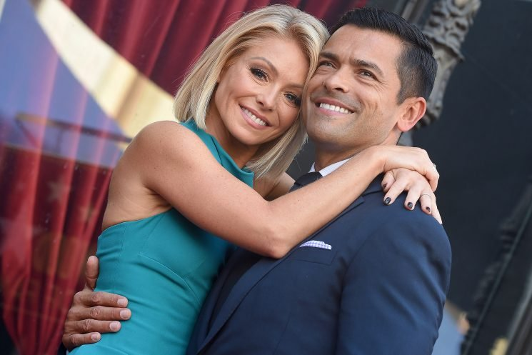 Kelly Ripa Says She 'Knew' Mark Consuelos Was The One When She Saw a Photo of Him Before They Met