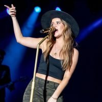 See Maren Morris' Soaring Rendition of Aretha Franklin's 'Natural Woman'