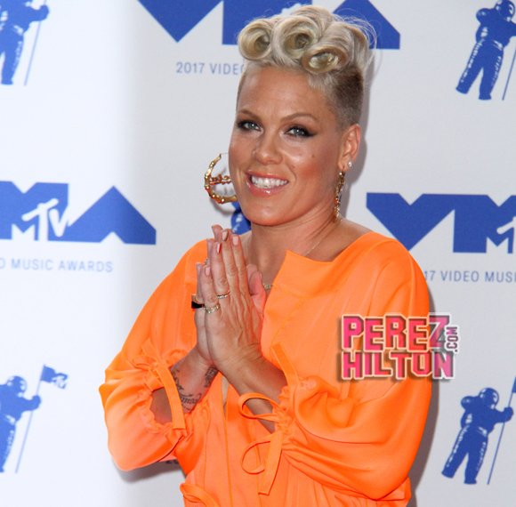 Pink Stops Concert To Grieve With Teenager Whose Mother Just Died