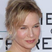 Renée Zellweger to Star in Netflix 'Social Thriller' From Revenge Creator
