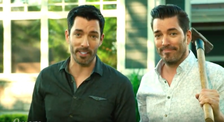 Property Brothers' Jonathan Scott Teases Brady Bunch House Reno to Jilted Buyer Lance Bass