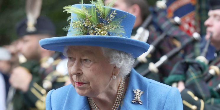 A Rude Pony Let Out a Giant Stink Bomb in Front of Queen Elizabeth II