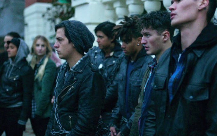 'Riverdale' Season 3 Premiere Synopsis Teases Southside Serpents and Ghoulies' Showdown