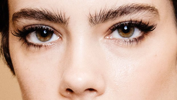 Will Eyelash Extensions Make Your Real Lashes Fall Out?