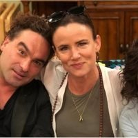 David Healy Is Back! Johnny Galecki Will Reprise His Roseanne Character on The Conners